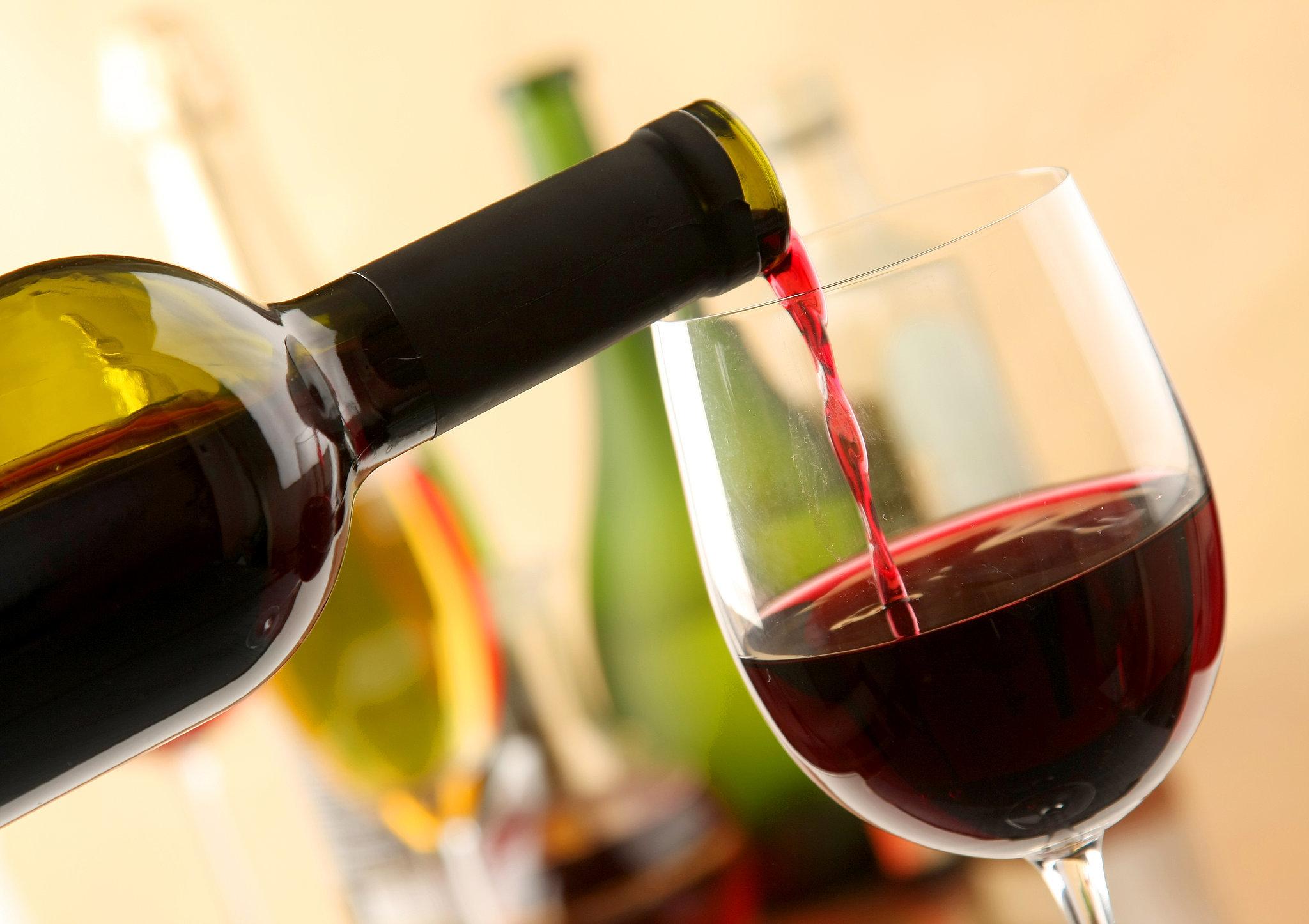articulațiile rănite din vinul roșu