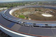 Apple Park surprins de o dronă