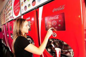 De ce nu îngheaţă băuturile din automatele de suc stradale?