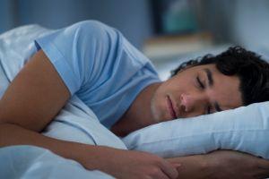De ce nu dormim bine în prima noapte, într-un loc străin