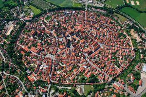 Nördlingen - Oraşul din interiorul unui crater de meteorit