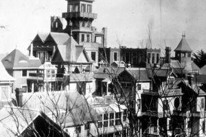 Misterioasa casă Winchester: casa la care Sarah nu se putea opri din construit