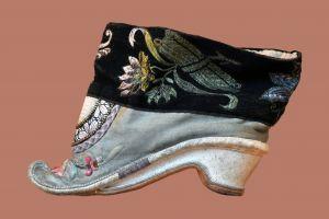 115 ani de la interdicţia împărătesei Tzu-hsi asupra legării picioarelor