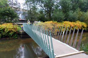 Ne cherchelim sau mai degrabă construim un pod?