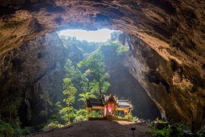 Peştera Phraya Nakon, templul divin al naturii