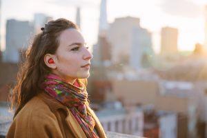 Waverly Labs promite căşti care traduc în timp real