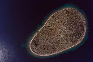 Această insulă croată seamănă cu o amprentă gigantică