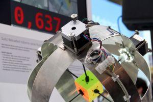 Un robot rezolvă cubul rubik în 0.637 de secunde