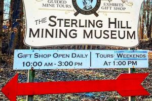 Rocile fluorescente din Muzeul Mineritului Sterling Hill