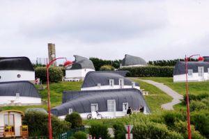 Equihen Plage: satul caselor din bărci inversate