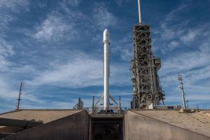 Vizionează live, lansarea celei de-a treia rachetă SpaceX