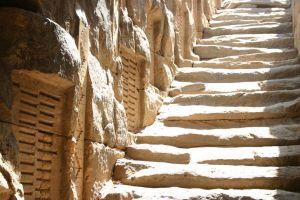 Nilometrul: Structură antică utilizată în măsurarea nivelului râului Nil
