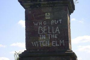 Cine a pus-o pe Bella în velniş?