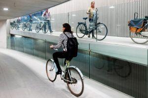 Se construieşte cel mai mare spaţiu de parcare pentru biciclete din lume