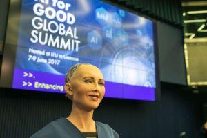 Sophia, prima cetăţeană androidă din lume, spune că doreşte să aibă un copil
